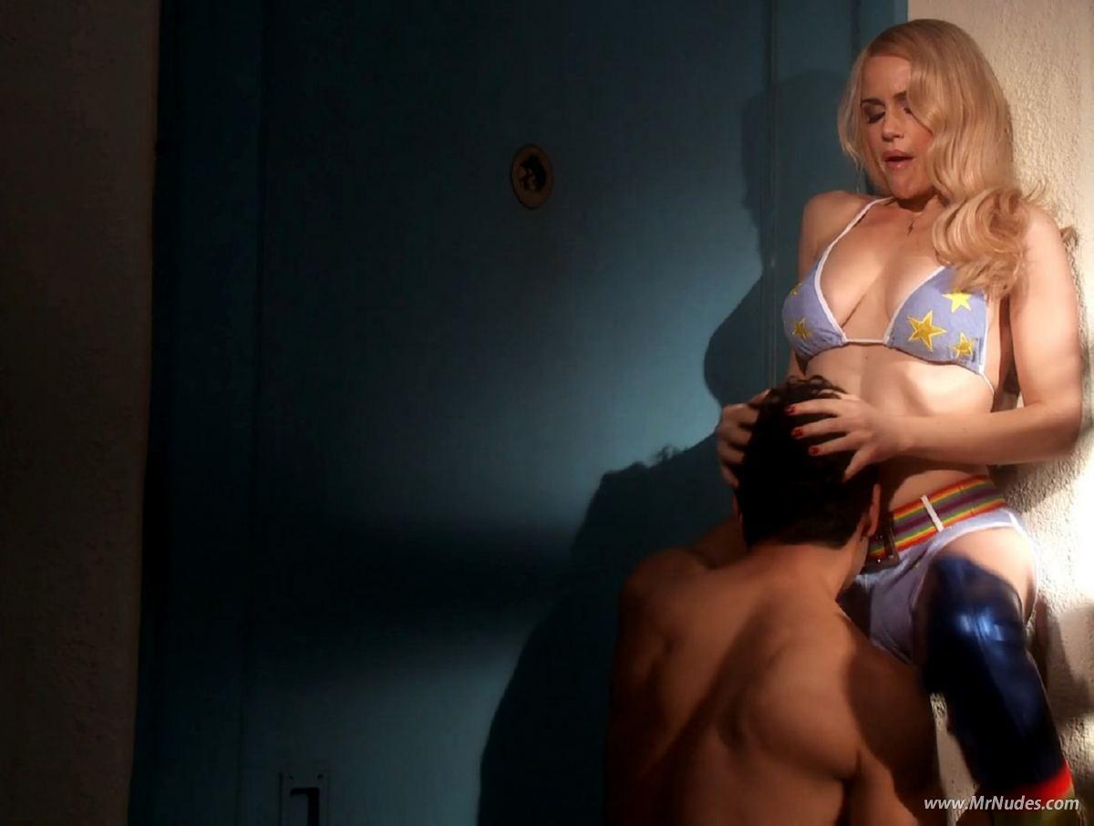 Elizebeth hurley nude